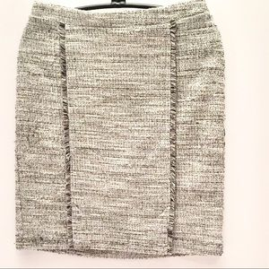 BR Boucle Textured Skirt